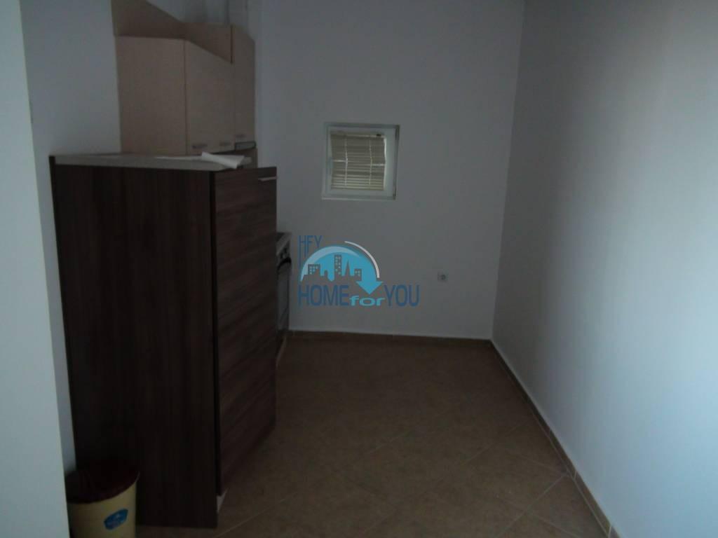 Дешевая, меблированная двухкомнатная квартира в Равде 5