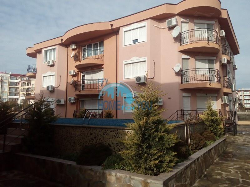 Двухкомнатная квартира с гаражом для постоянного проживания в Равде