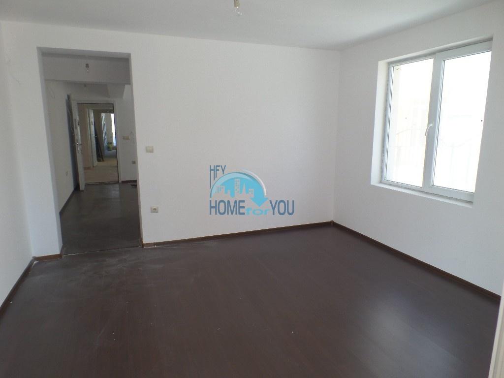 Двухкомнатная квартира с минимальной таксой поддержки в Равде