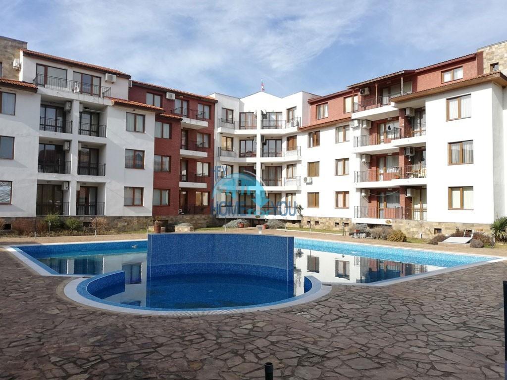 Двухкомнатная квартира с видом на море по самой выгодной цене в к-се Аполон-2, Равда.