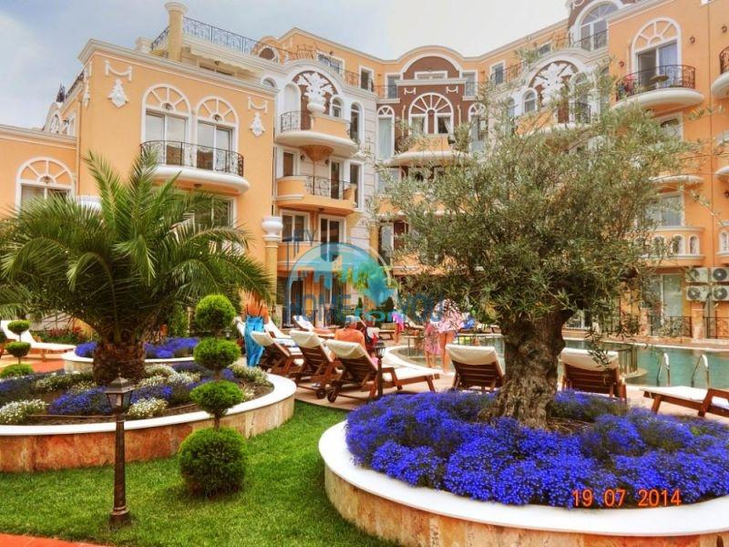Двухкомнатная квартира в элитном комплексе в Равде