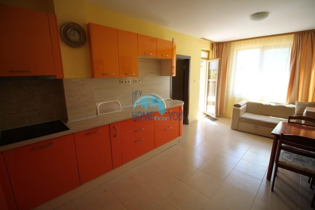 Меблированная двухкомнатная квартира в Равде
