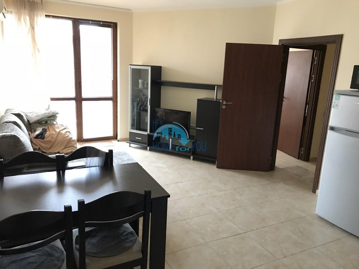 Небольшая двухкомнатная квартира по выгодной цене в Равде