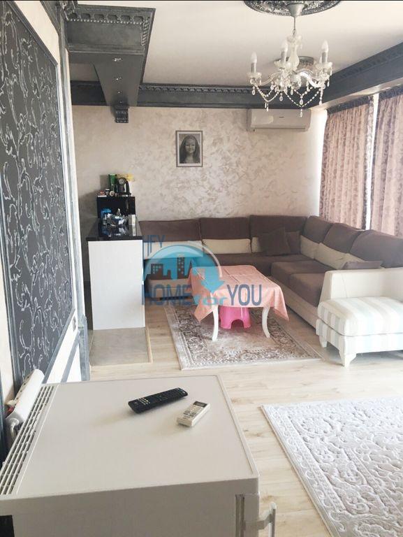 Недорогая трехкомнатная квартира в центре города Равда 8