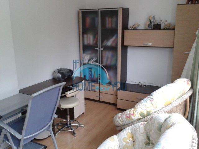 Новая двухкомнатная квартира с мебелью в центре Равды по выгодной цене