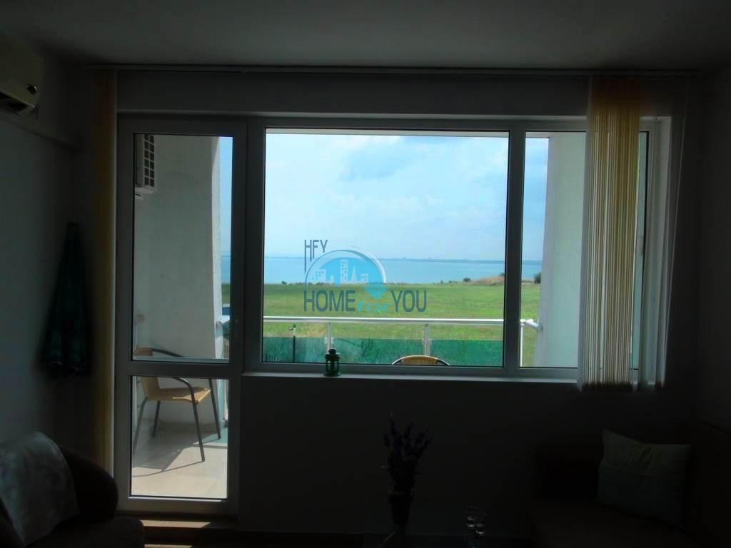 Отличная двухкомнатная квартира с видом на море в комплексе Гранд Сирена, Равда