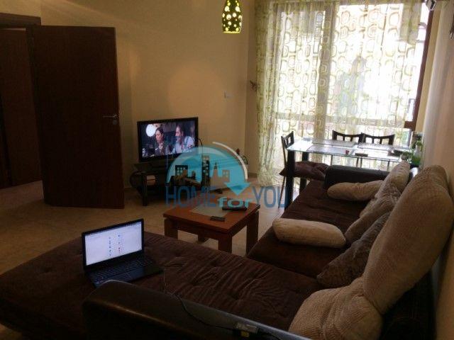 Трехкомнатная квартира у моря в курорте Равда