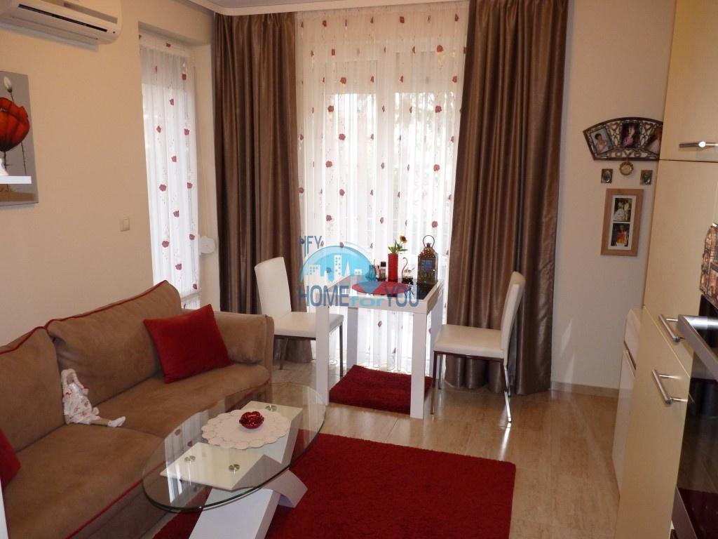 Уютная, небольшая двухкомнатная квартира в комплексе Елитония Гарденс 2, Равда
