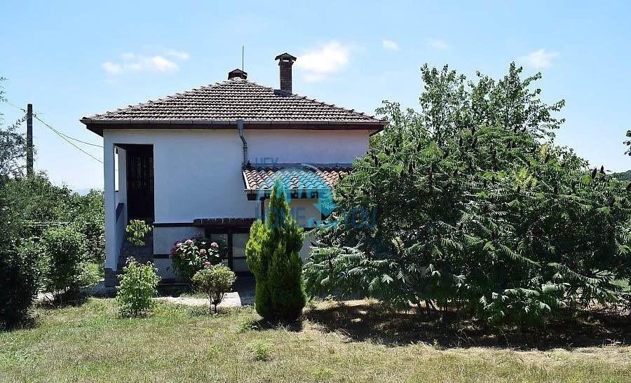Чудесный, меблированный дом в деревне Былгари
