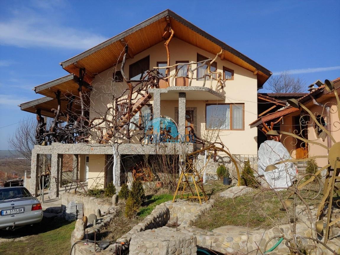 Бургас, с. Драчево, мини отель 320 кв.м на земельном участке 1350 кв.м
