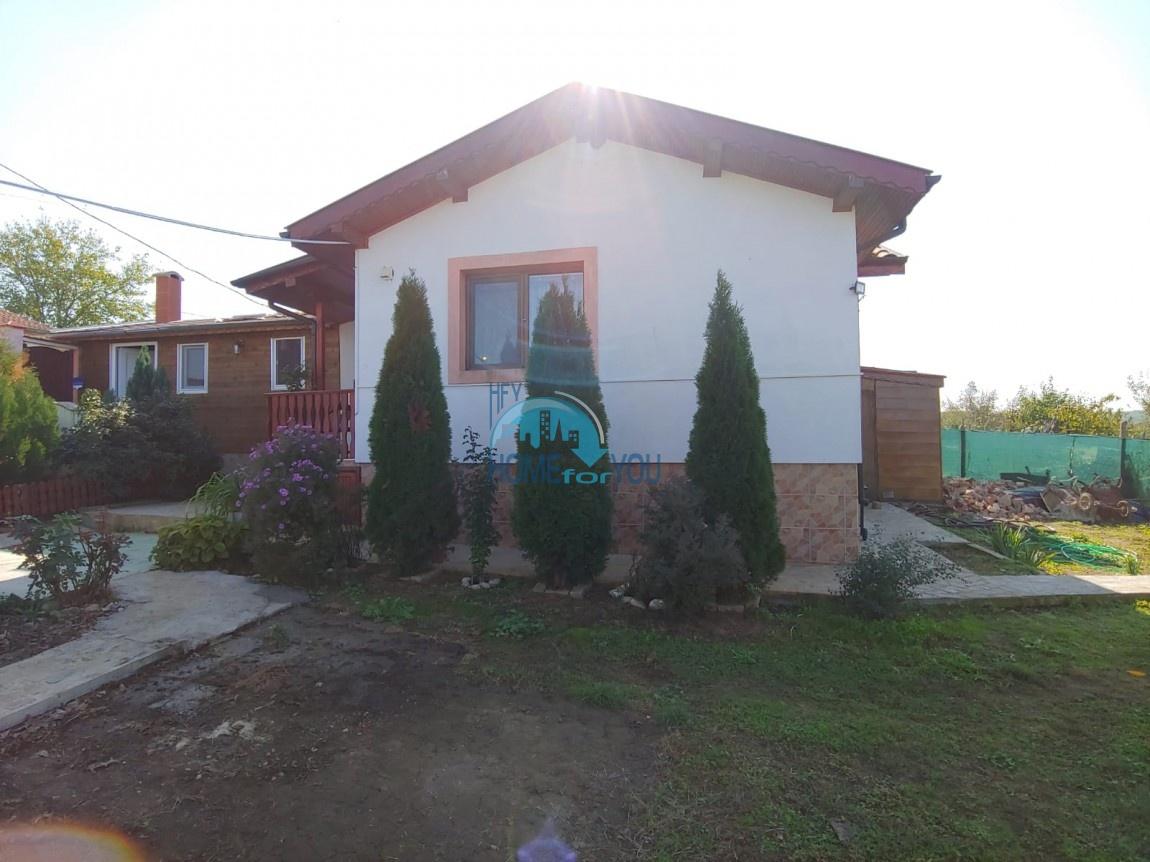 Уютный, новый дом в поселке Драчево, Бургас