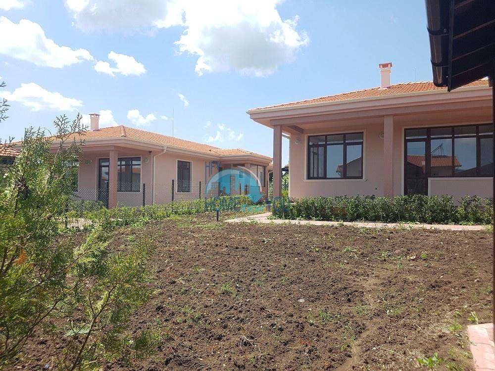 Два новых частных дома для ПМЖ в селе Маринка около Бургаса