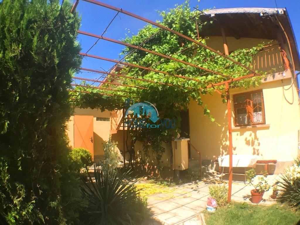 Уютный, двухэтажный дом на продажу в с. Оризаре