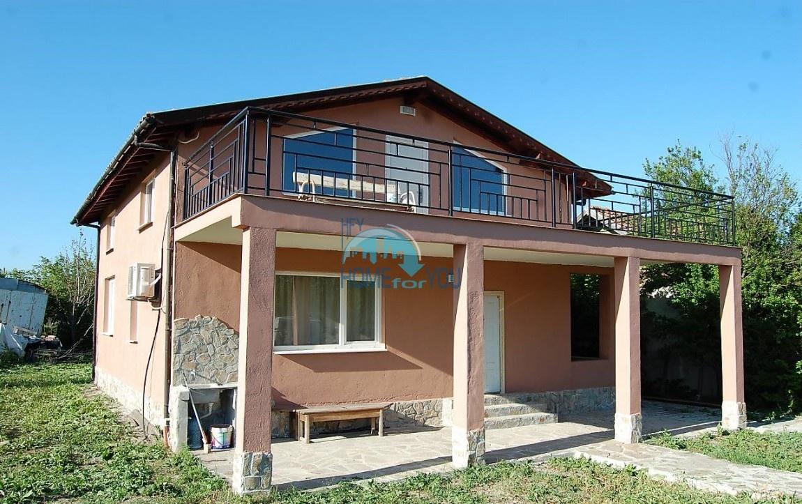 Новый, двухэтажный дом с мебелью в деревне Полски извор, Бургас