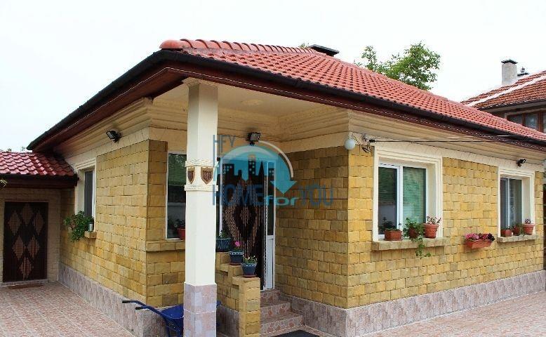 Хороший английский дом в селе Порой