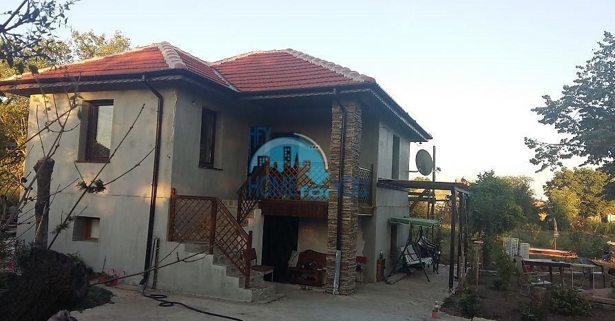 Меблированный дом, после ремонта, с двором в центре деревне Трастиково, Бургас