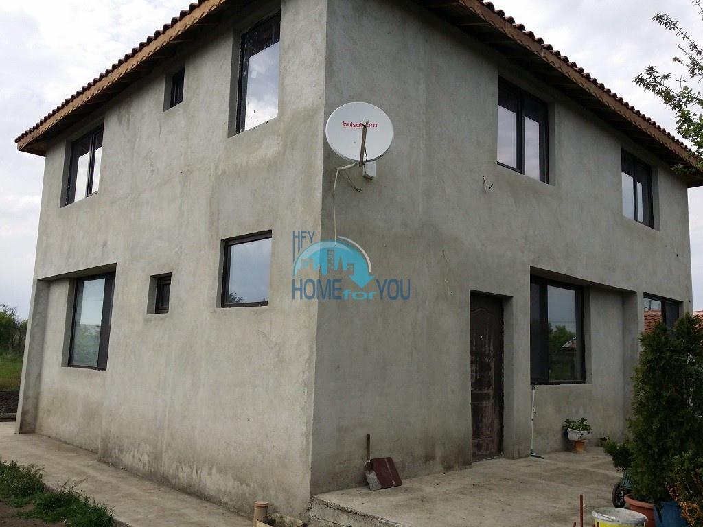 Просторный двухэтажный дом с большим двором в деревне Трастиково