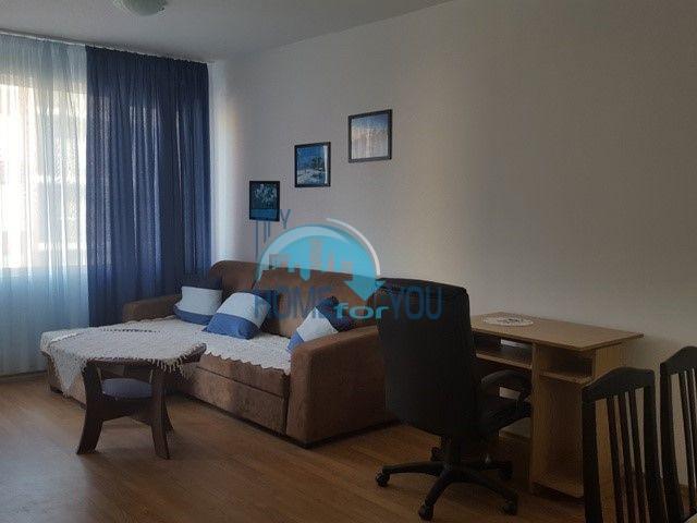 Большая двухкомнатная квартира на продажу в курорте Солнечный Берег 3
