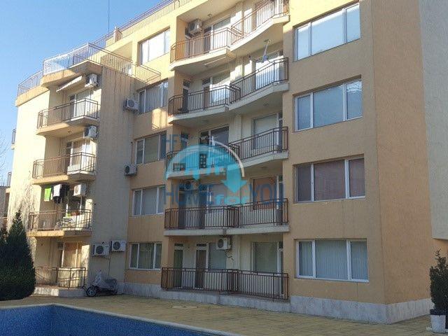 Большая двухкомнатная квартира на продажу в курорте Солнечный Берег 12