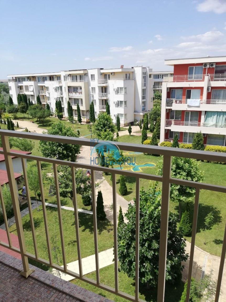Большая, меблированная двухкомнатная квартира на Солнечном берегу