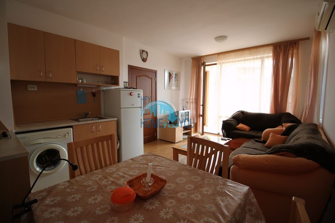 Чудесная двухкомнатная квартира с большим балконом в комплексе Касандра, Солнечный берег