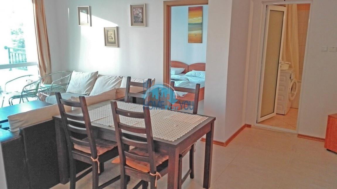 Чудесная трехкомнатная квартира по выгодной цене на курорте Солнечный берег