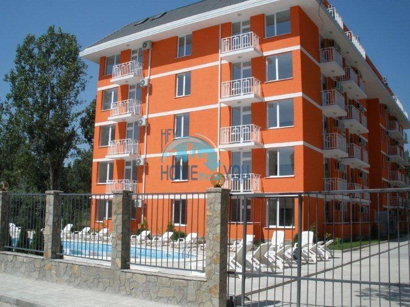 Дешевая двухкомнатная квартира с двумя балконами на Солнечном берегу