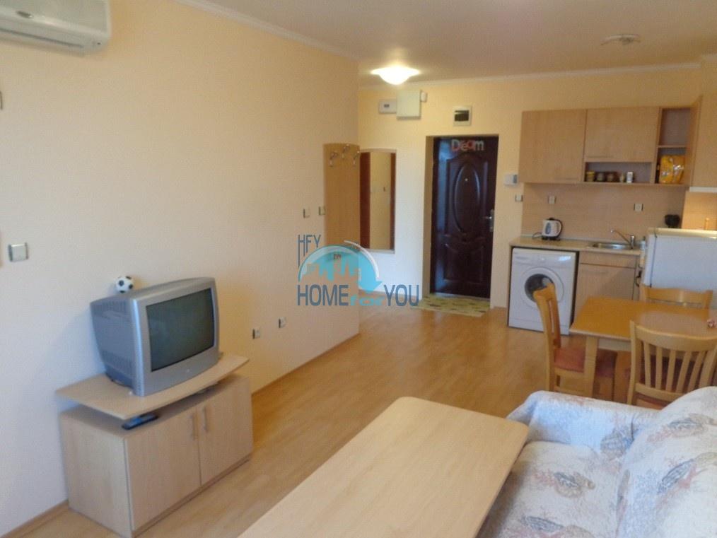 Дешевая, уютная двухкомнатная квартира на Солнечном берегу