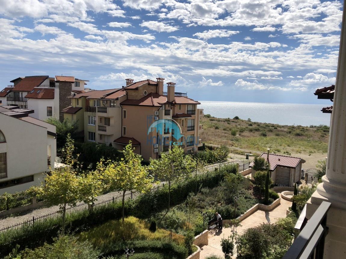 Двухкомнатная квартира с панорамным видом на море в комплексе Артур, Святой Влас 10