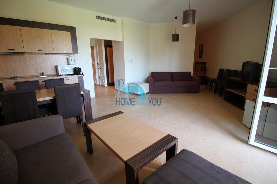 Двухкомнатная квартира с видом на море на Солнечном берегу