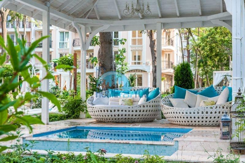 Двухкомнатная квартира в элитном комплексе на курорте Солнечный берег 6