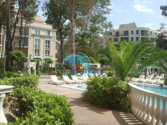 Двухкомнатная квартира в элитном комплексе в курорте Солнечный Берег
