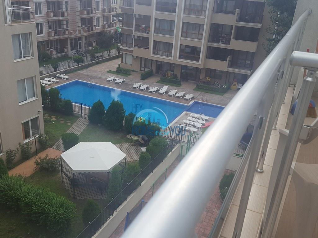 Двухкомнатная квартира в комплексе Balkan Breeze 1 на Солнечном берегу