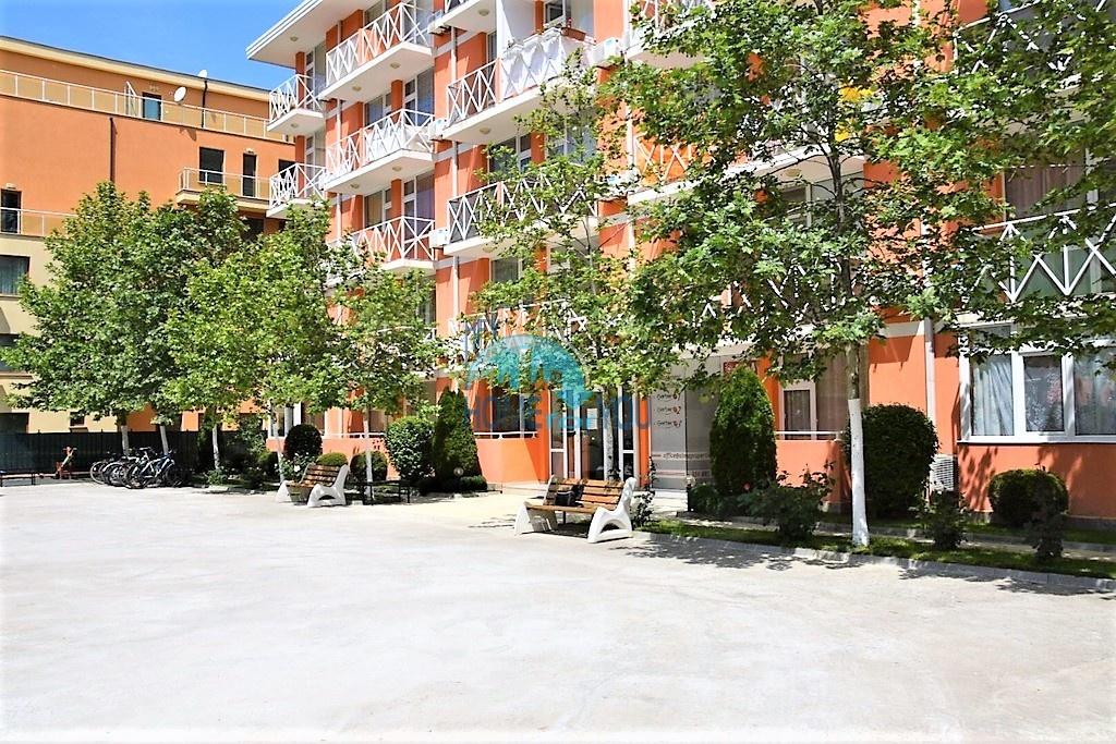 Двухкомнатная квартира в комплексе Гербер 1 на Солнечном берегу