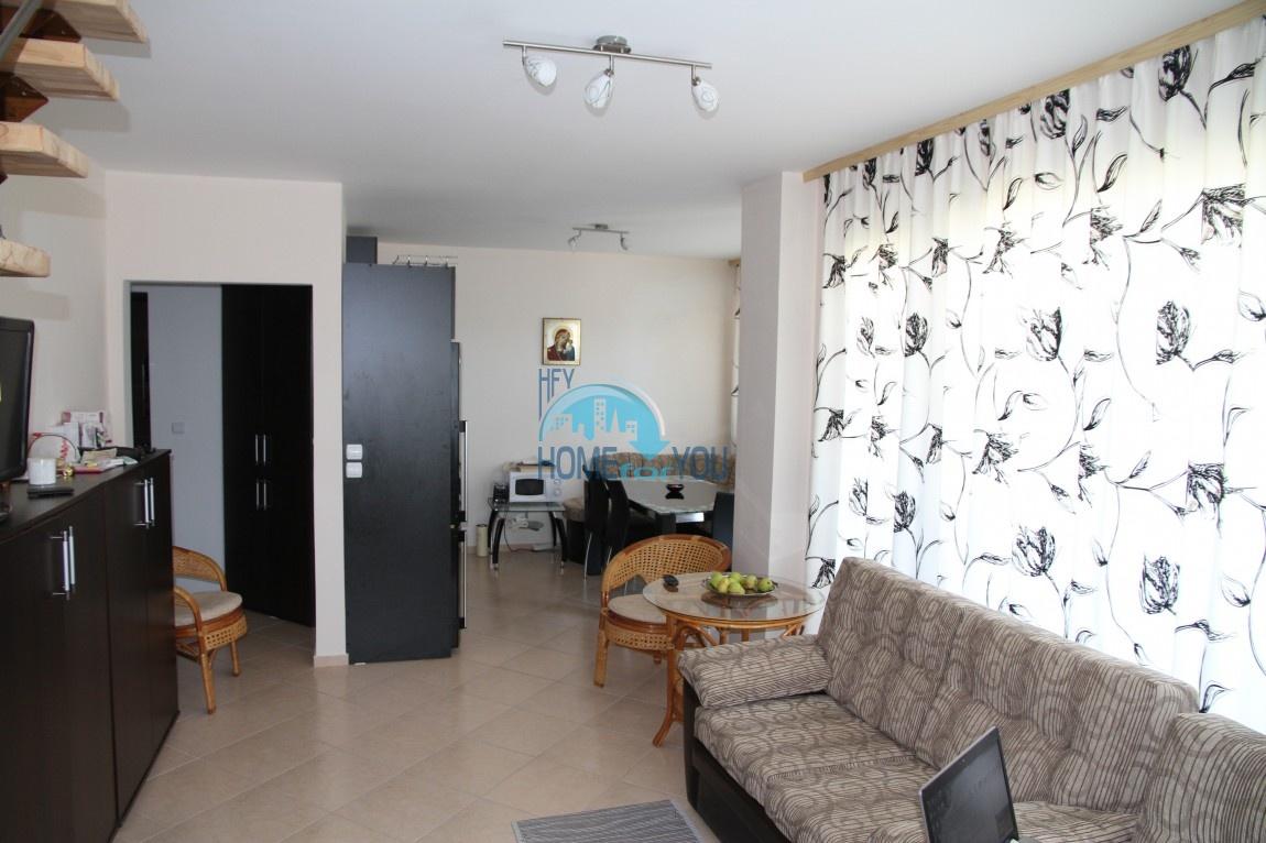 Квартира в двух уровнях в комплексе Амбър Бийч, Солнечный берег