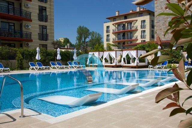 Прекрасные апартаменты в благоустроенном комплексе закрытого типа «Villa Valencia» на курорте Солнечный берег