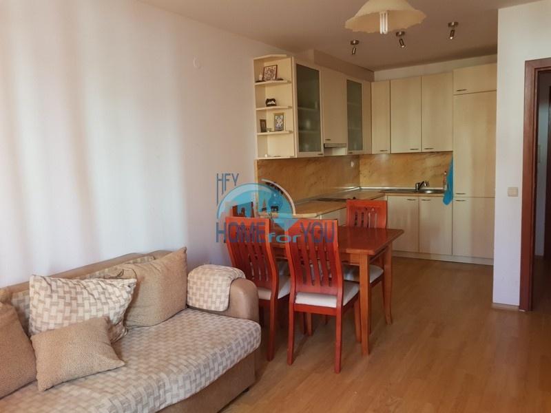 Меблированная двухкомнатная квартира по выгодной цене на курорте Солнечный берег
