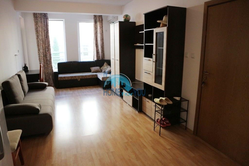 Меблированная двухкомнатная квартира по выгодной цене на Солнечном берегу