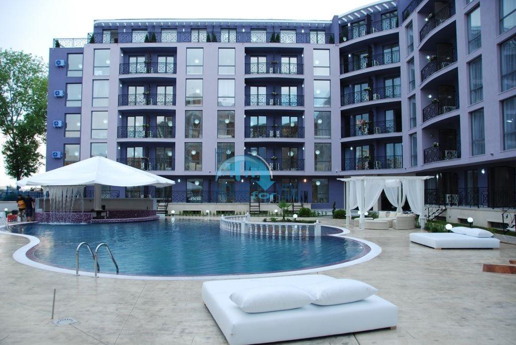 Меблированная двухкомнатная квартира на курорте Солнечный Берег