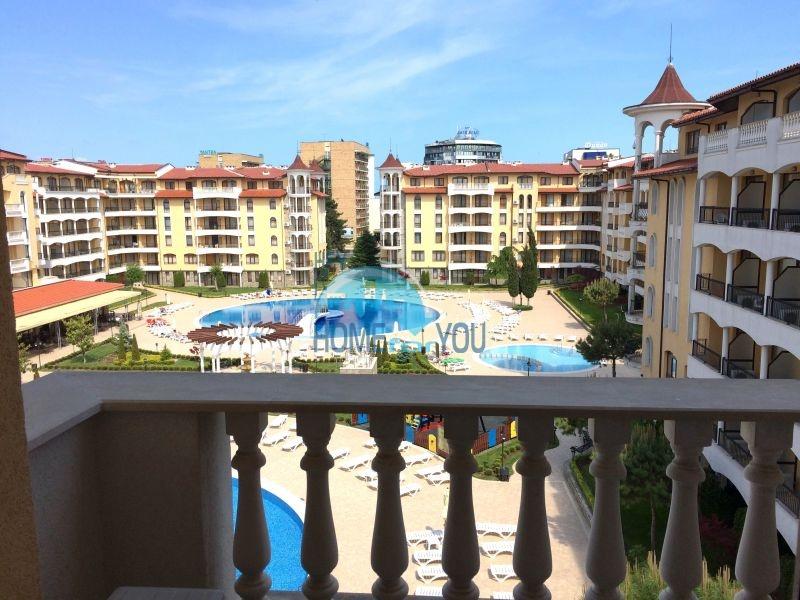 Меблированная квартира в комплексе Роял Сан на Солнечном берегу