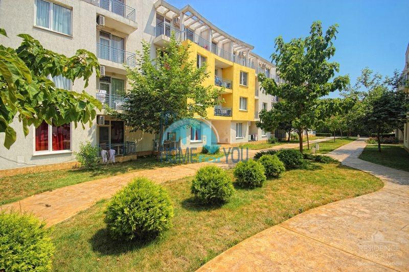 Меблированная трехкомнатная квартира по доступной цене в центре курорта 9