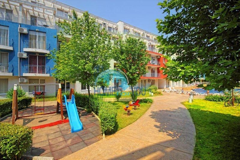 Меблированная трехкомнатная квартира по доступной цене в центре курорта 11