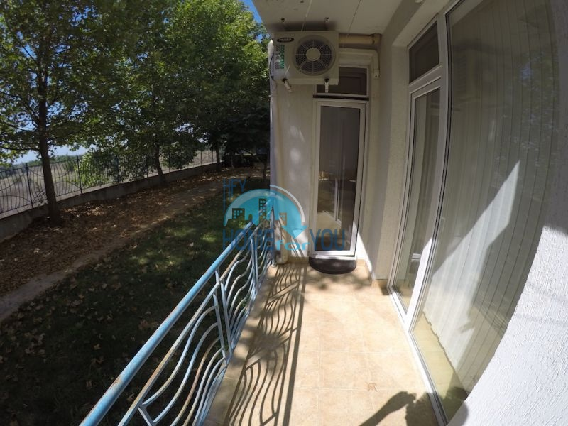 Меблированная трехкомнатная квартира по доступной цене в центре курорта 8