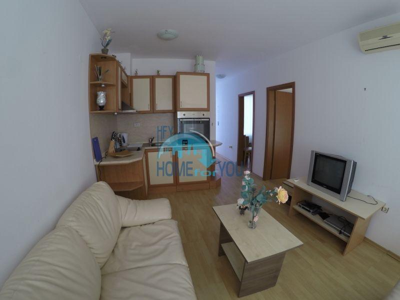 Меблированная трехкомнатная квартира по доступной цене в центре курорта