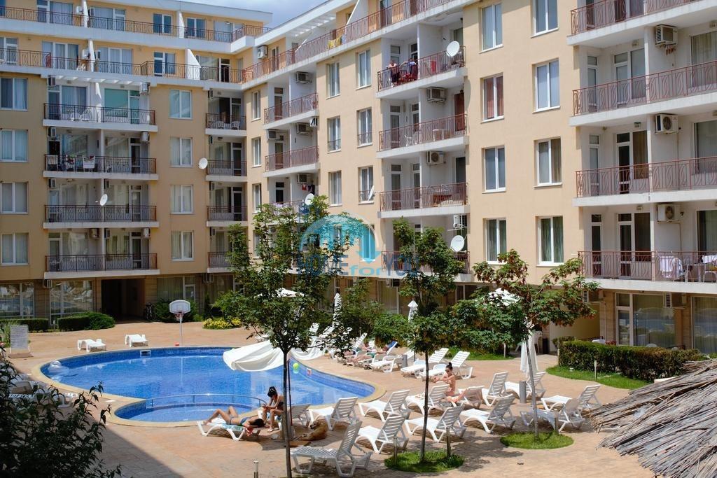Меблированная двухкомнатная квартира 62 кв.м в комплексе Балкан Бриз на Солнечном берегу