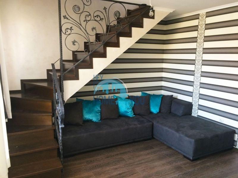 Недорогая четырехкомнатная квартира на Солнечном берегу 7