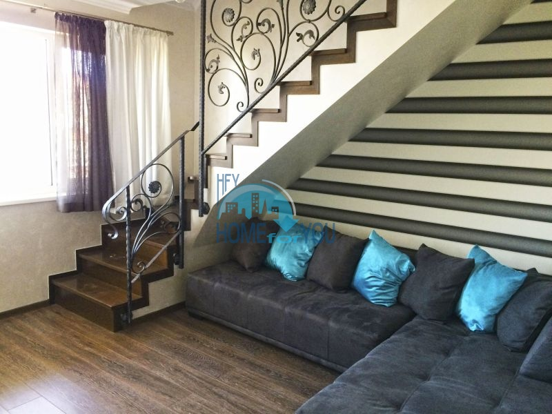 Недорогая четырехкомнатная квартира на Солнечном берегу 6