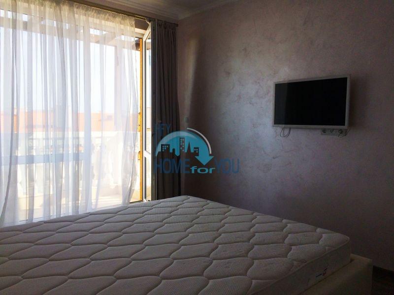 Недорогая четырехкомнатная квартира на Солнечном берегу 11