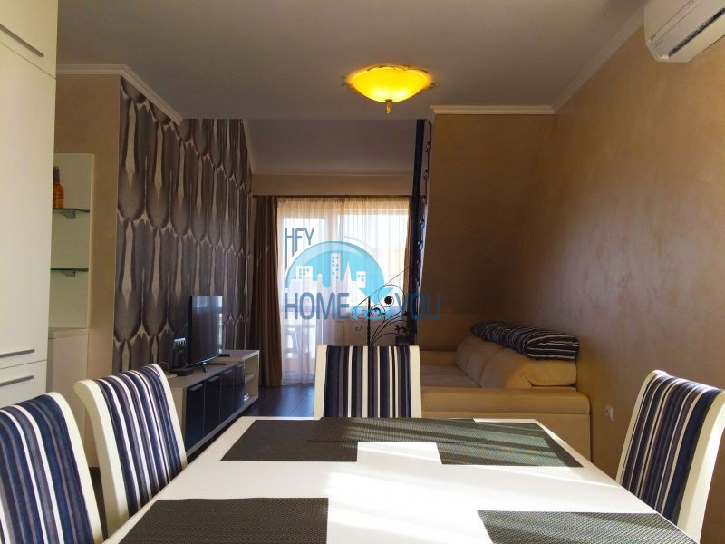 Недорогая четырехкомнатная квартира на Солнечном берегу 2
