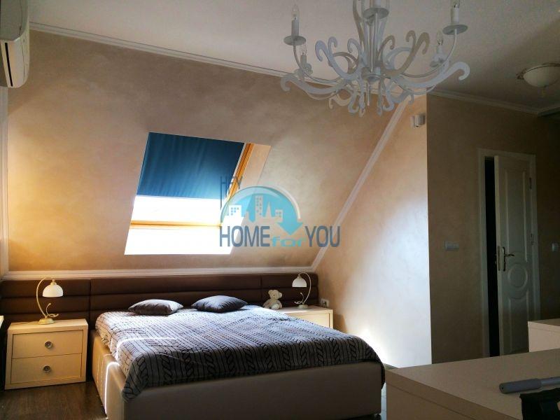 Недорогая четырехкомнатная квартира на Солнечном берегу 16